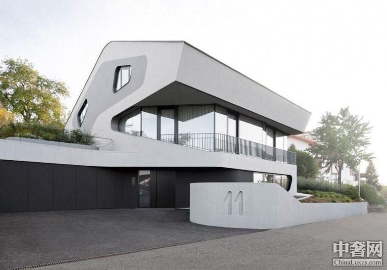 德国斯图加特OLS House豪宅:拥有开阔壮丽的山谷视野