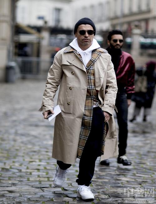 看巴黎街头男人的穿衣 随性洒脱自信而又真实