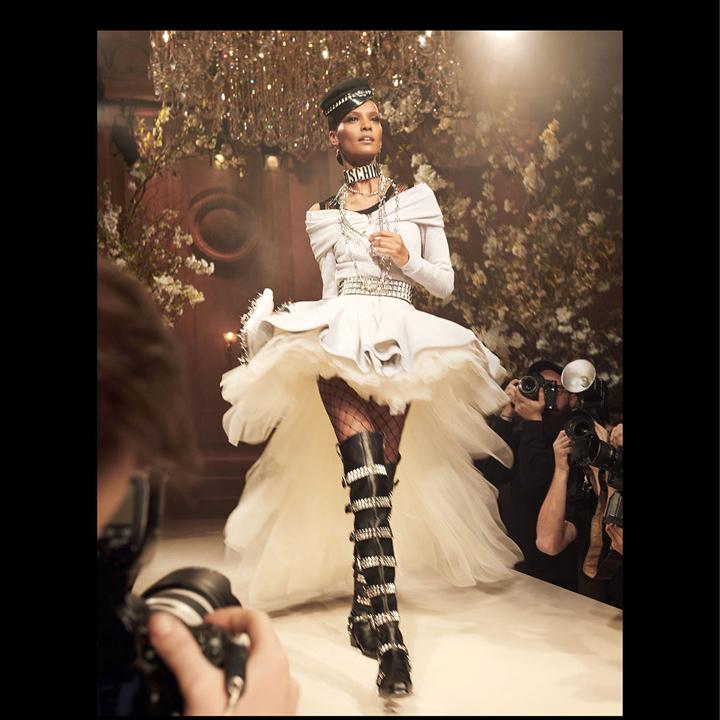 Moschino(莫斯其诺)释出2018春夏系列广告大片