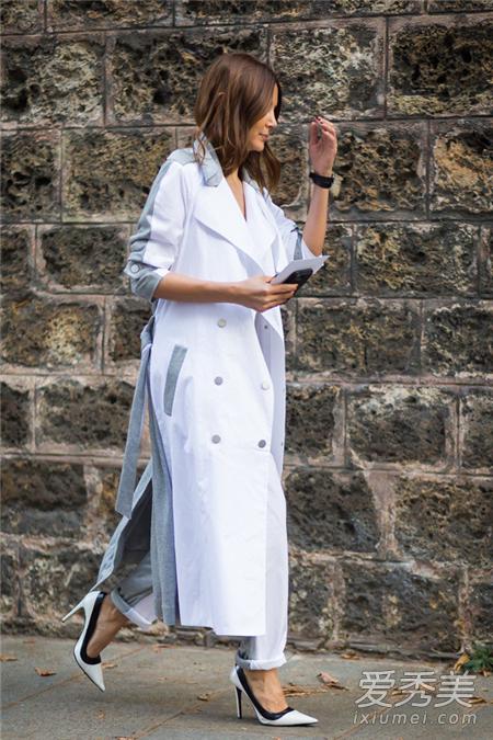 白色大衣六种搭配法则 白色大衣+无色系单品更具时尚韵味
