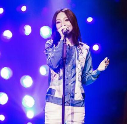 《歌手》张韶涵声音沙哑变烟酒嗓 敬业模样让人心疼
