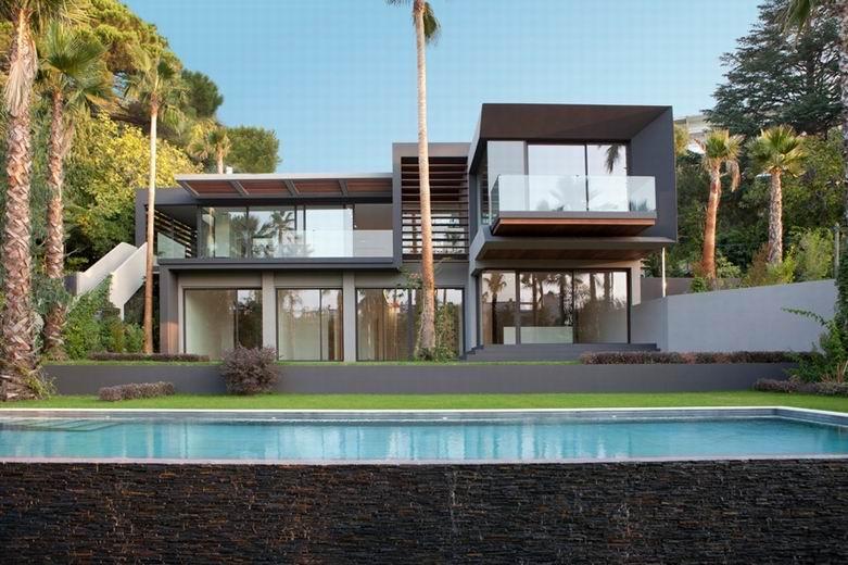 C别墅:与众不同的气质整合出一个典雅的绿色环境。
