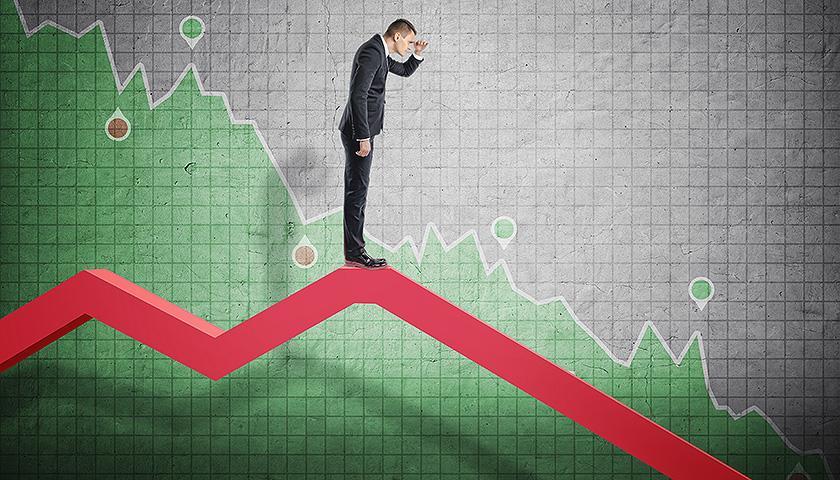 恐慌指数一口气突破15点 美股触发5年来最强卖出预警