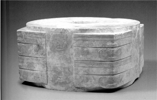 曾在地下沉睡了5000多年的玉琮王至今没过时