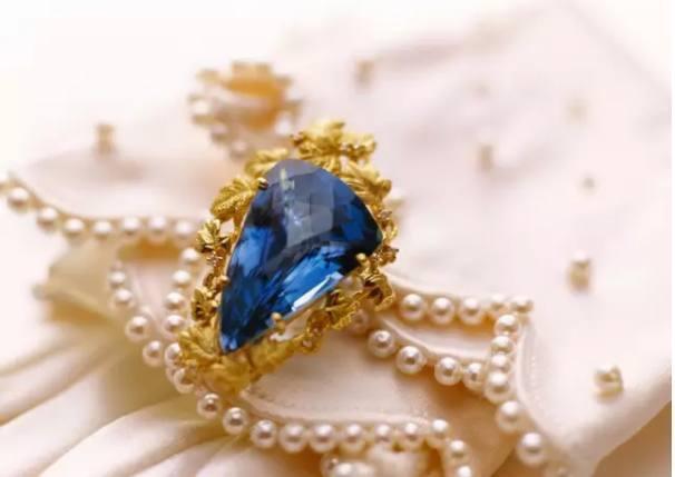 珠宝也能看出一个人的气质 那看看你属于什么气质吧