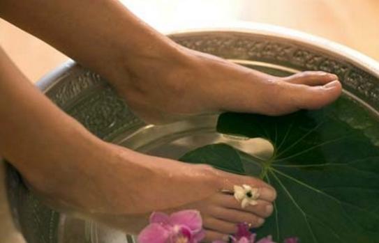 教你三种方法去除角质层 让脚部变水嫩