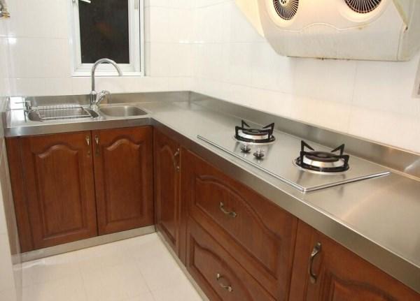 装修时如何选择厨房台面材料