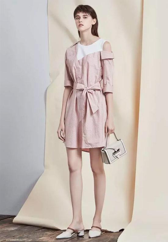 Rubin如缤品牌女装 不同材质拼接的肩部造型是今年的流行趋势