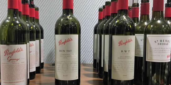 葡萄酒拍场价格猛升 升值的年代真的来袭?
