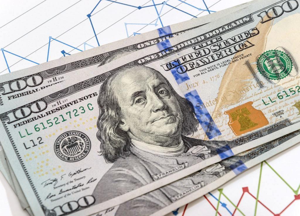 全球央行逐步转鹰美元承压