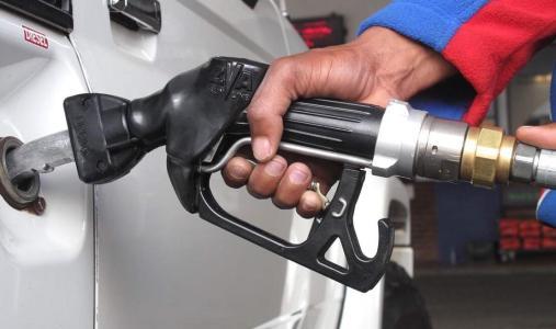 中国成品油需求同比增约3% 汽油消费将于2025年达峰值