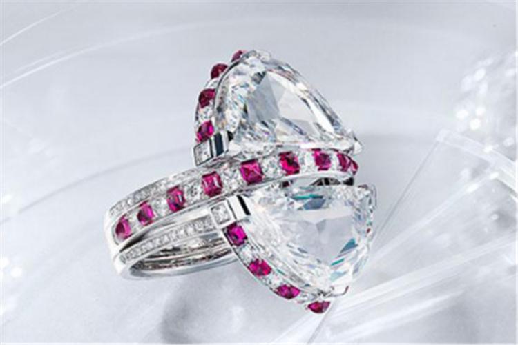 卡地亚全新Résonances de Cartier高级珠宝系列_珠宝图片
