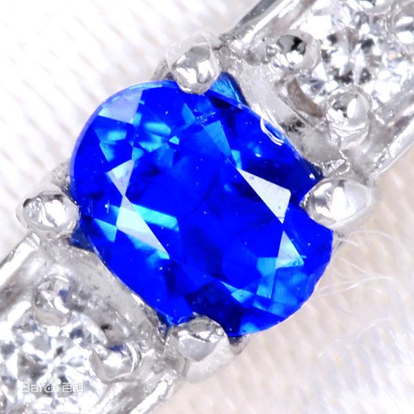 蓝方石特征_蓝方石产出_蓝方石工业价值_蓝方石收藏价值