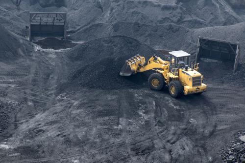 巴陵石化优化采购抢卸煤炭 为春节提库保供