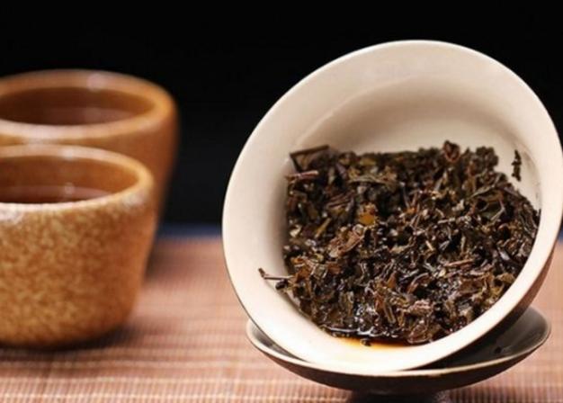 黑茶泡脚有何好处 黑茶汁足浴的功效
