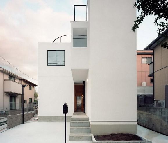 东京 House K:一栋供两户家庭居住的双联式住宅