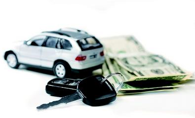 很多朋友首次购车时,一般都在4s店买车全险,就是交强险+商业险,但一般都比较贵。因为买车绑定购买全险时,4S店销售可以从中获得提成,价格当然稍微贵一点。