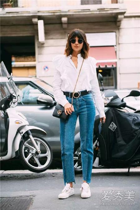 拼色牛仔裤穿衣搭配技巧示范 衬衫+拼色牛仔裤让人耳目一新的感觉