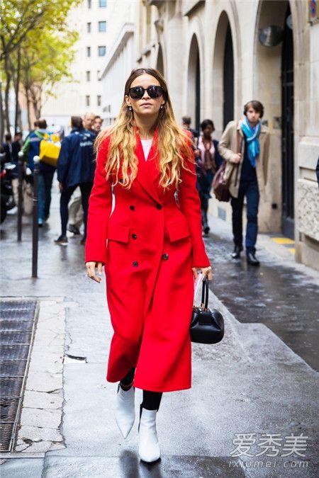 2018年春节穿衣搭配 选择红色个性外套非常具有个性