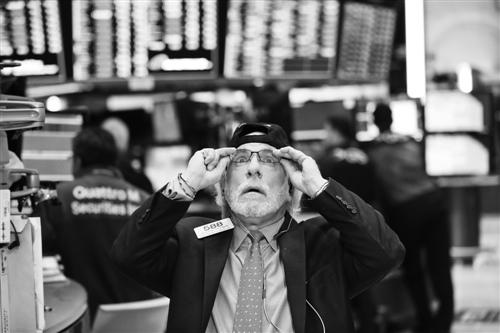 """全球股市出现暴跌 这两大避险货币却未""""受宠""""?"""
