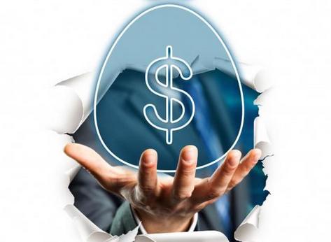 第三,领取时间最好与退休年龄衔接起来。保险金的领取年龄在投保时可与保险公司约定,但领取年限就根据不同的保险公司而有所不同,一般保险公司会保证投保人领满10年或20年。