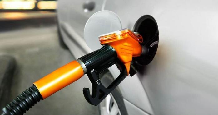 春节期间国内油价将下调 一箱油便宜多少?