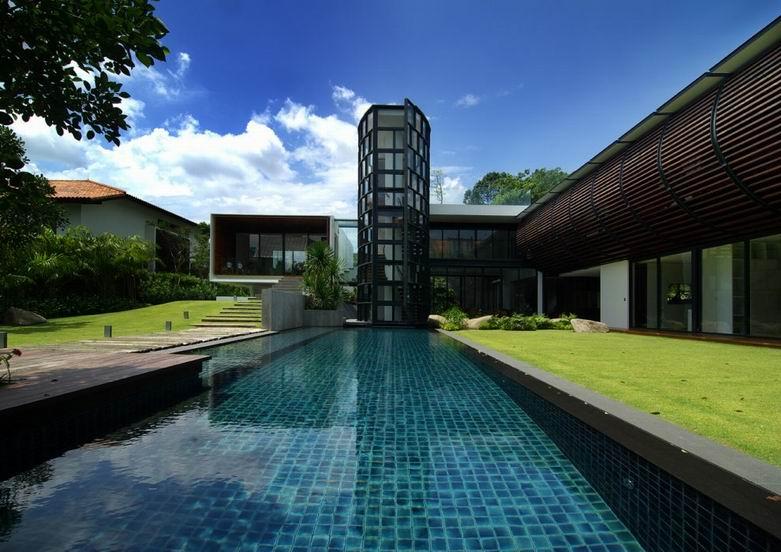 Dalvey豪宅:丰富的建筑外立面呈现狭长的建筑形式
