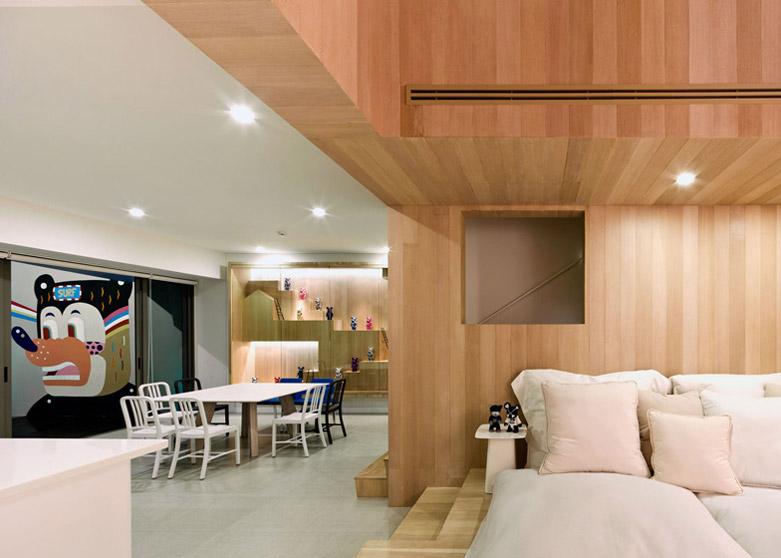 """""""Bear House""""度假屋:一个被实木包裹的温馨居所"""