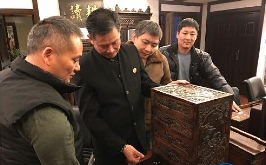 日本回流福建红木家具老物件 承载华侨背井离乡的故事