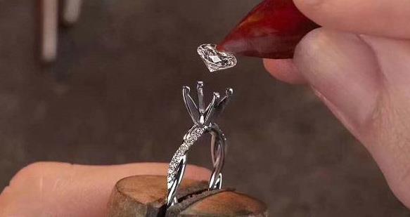 裸钻定制打造独一无二钻戒 被越来越多消费者接受
