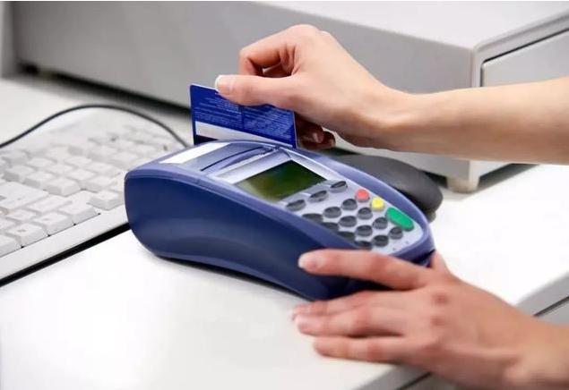 拿到手的信用卡 不这样做照样不能用!