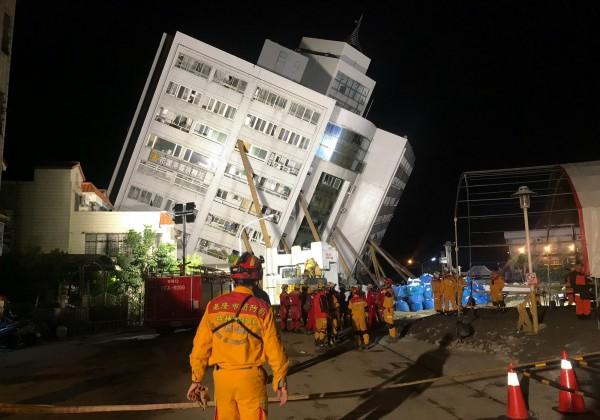 台湾地震最新消息:台搜救队抵达失联陆客所在房间未见人
