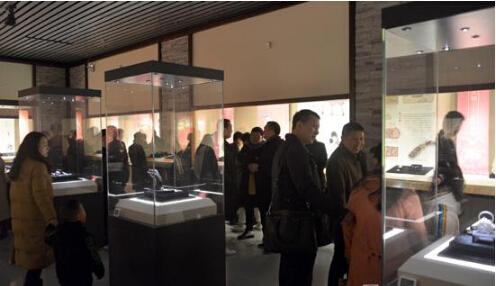 黄贤军收藏视野下的温州古代金银饰品展在温州博物馆开幕