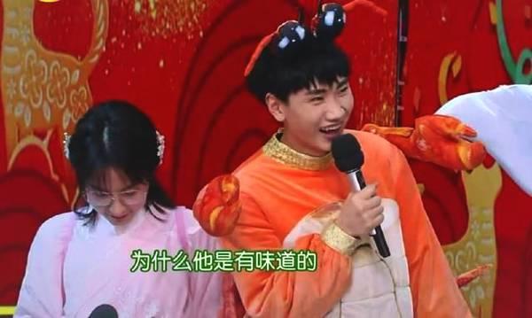 吴昕两次被关话筒微博发表言论表示自己无能为力