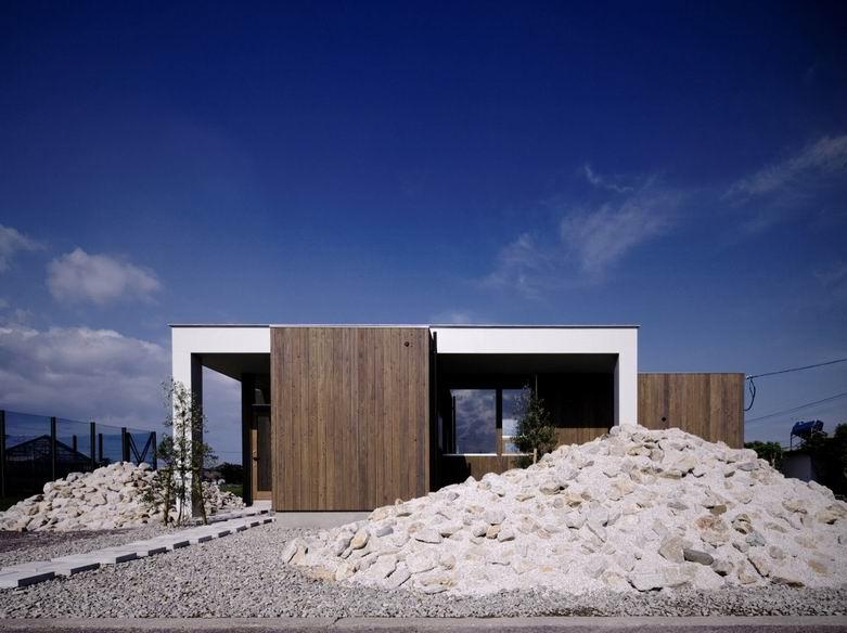 羽之浦豪宅:建筑设计带出周边清晰的景观