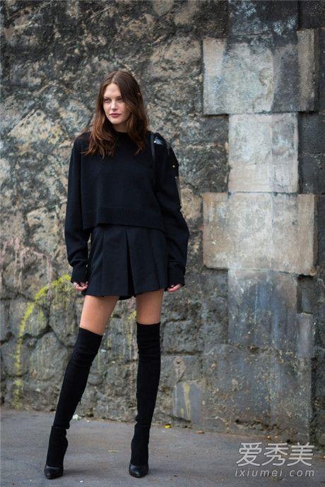 肩宽的女生穿衣搭配技巧 尽量选择V领的款式