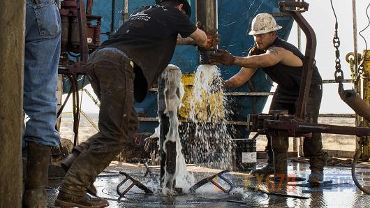 美国产量大增 油价反弹行情扑空?