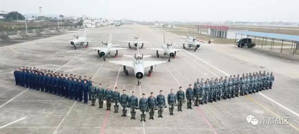 空军部队春晚给大家拜年 中国还需要多久才能告别歼7?