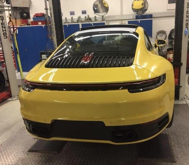 疑似新911实车谍照曝光 有望在2018年10月开幕的巴黎车展上发布
