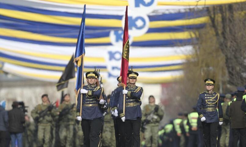 科索沃首都举行阅兵 庆祝独立10周年