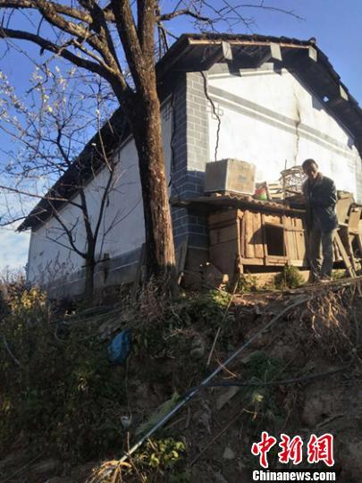 云南景东4级地震 共造成915户房屋受损