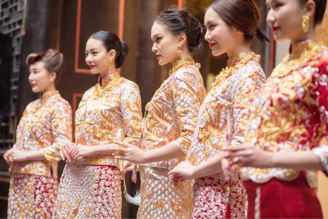 周大福携手褂皇 让中式珠宝与中式嫁衣精彩融合