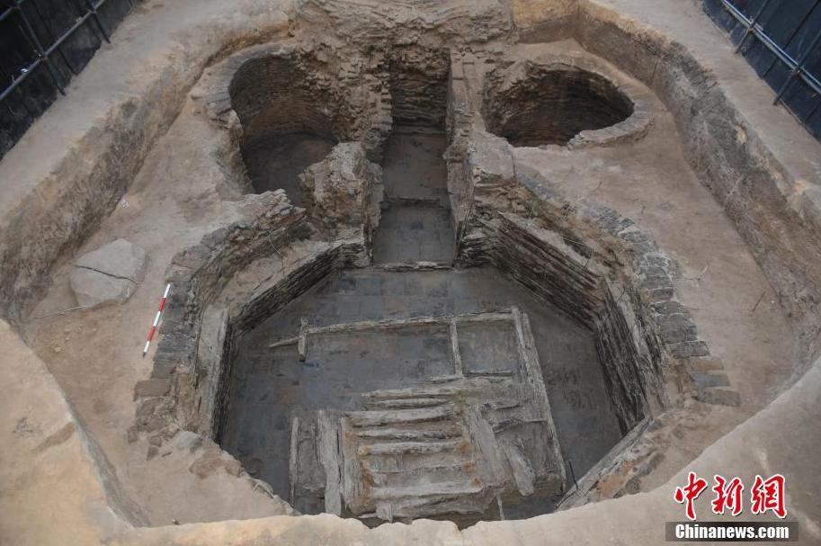 辽宁现契丹族遗址 发掘出玻璃等器物近400件