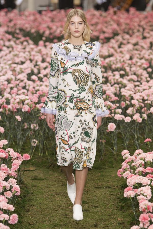Tory Burch(汤丽伯奇)于纽约时装周发布2018秋冬系列高级成衣