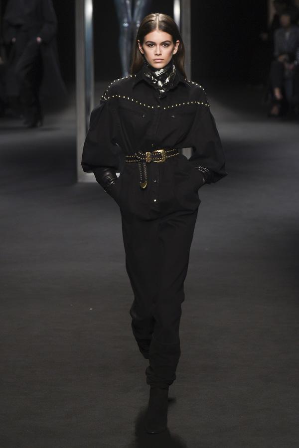 Alberta Ferretti(阿尔伯特·菲尔蒂)于米兰时装周发布2018秋冬系列高级成衣