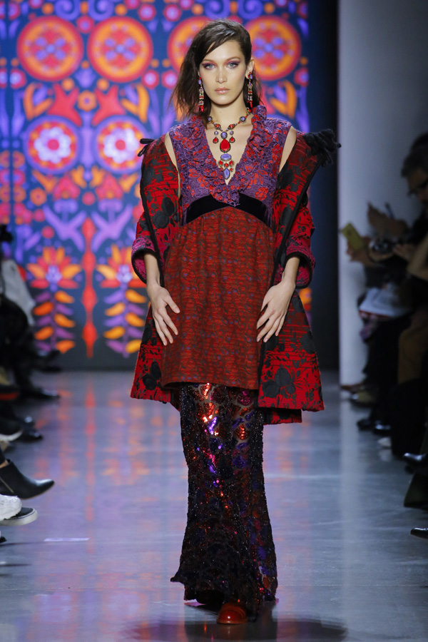 Anna Sui(安娜苏)于纽约时装周发布2018秋冬系列高级成衣