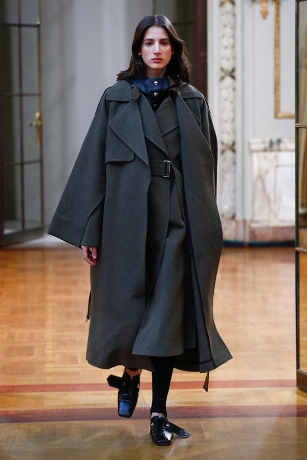 Victoria Beckham(维多利亚·贝克汉姆)于纽约时装周发布2018秋冬系列高级成衣