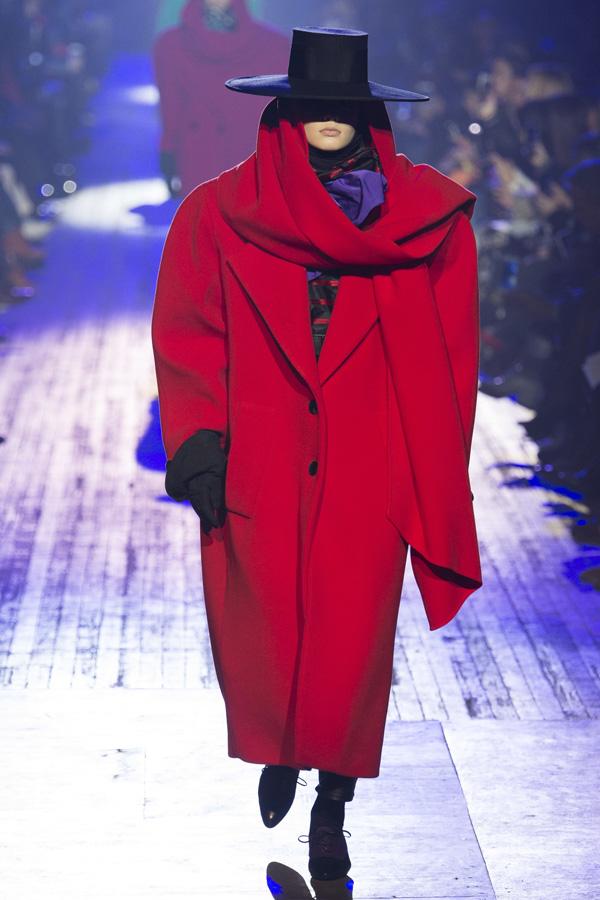 Marc Jacobs(马克·雅各布)于纽约时装周发布2018秋冬系列高级成衣