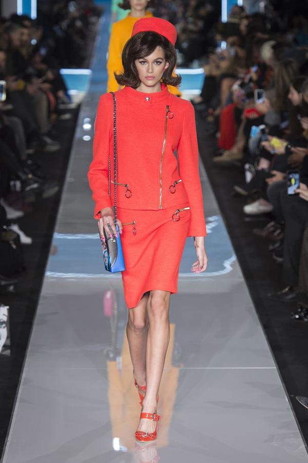 Moschino(莫斯其诺)于米兰时装周发布2018秋冬系列高级成衣