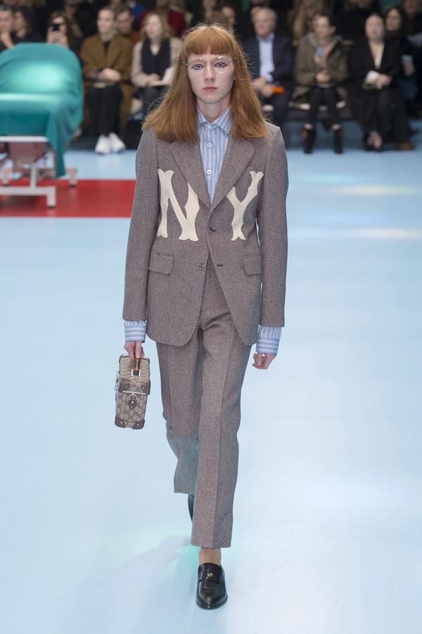 Gucci(古驰)于米兰时装周发布2018秋冬系列高级成衣